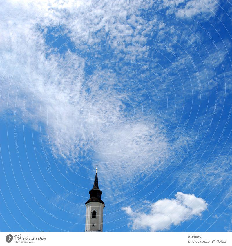 Wolkenkuckucksheim Himmel weiß Wolken Kirche Dach Dorf Kreuz