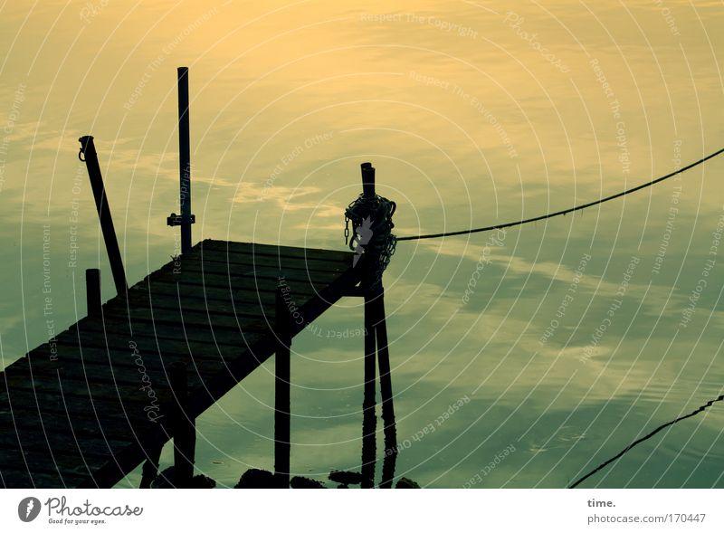 Neustädter Binnenhafen (III) ruhig Tier Küste Zufriedenheit elegant Seil authentisch Gelassenheit Seeufer Fernweh geduldig Heimweh kompetent Fischerboot
