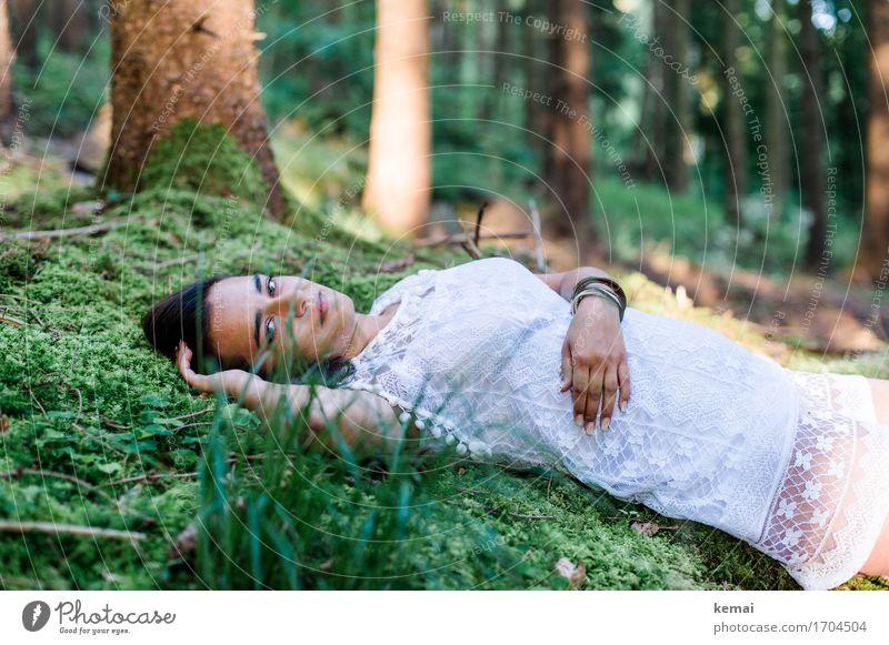 Waldmaid III Mensch Natur Jugendliche Sommer Junge Frau schön grün Erholung ruhig 18-30 Jahre Erwachsene Leben Lifestyle Gefühle feminin