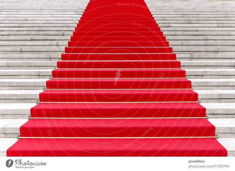 Roter Teppich II Reichtum elegant Stil Party Veranstaltung ausgehen Feste & Feiern Kultur Show Konzert Oper Opernhaus Treppe Bekanntheit Erfolg rot Freitreppe