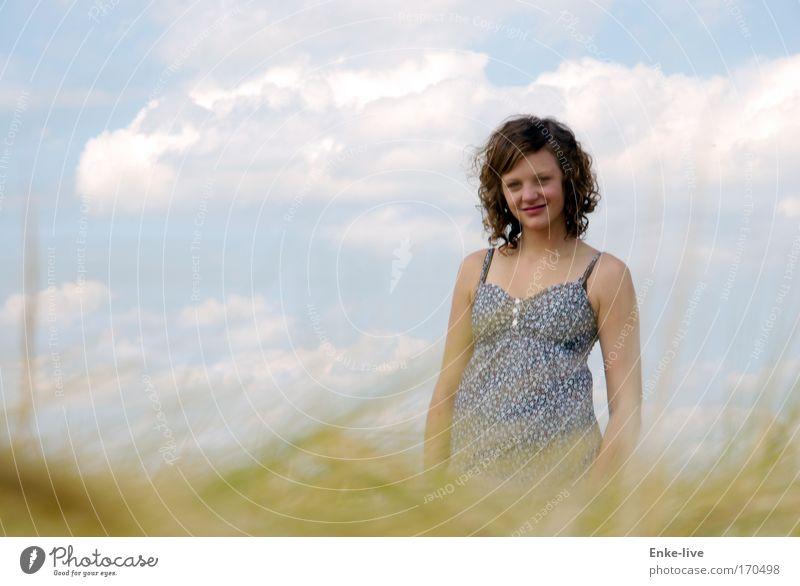 kann das sein ??!! Natur Jugendliche blau schön Pflanze Sommer Wolken gelb feminin Glück Denken Gesundheit Zufriedenheit Feld gold warten