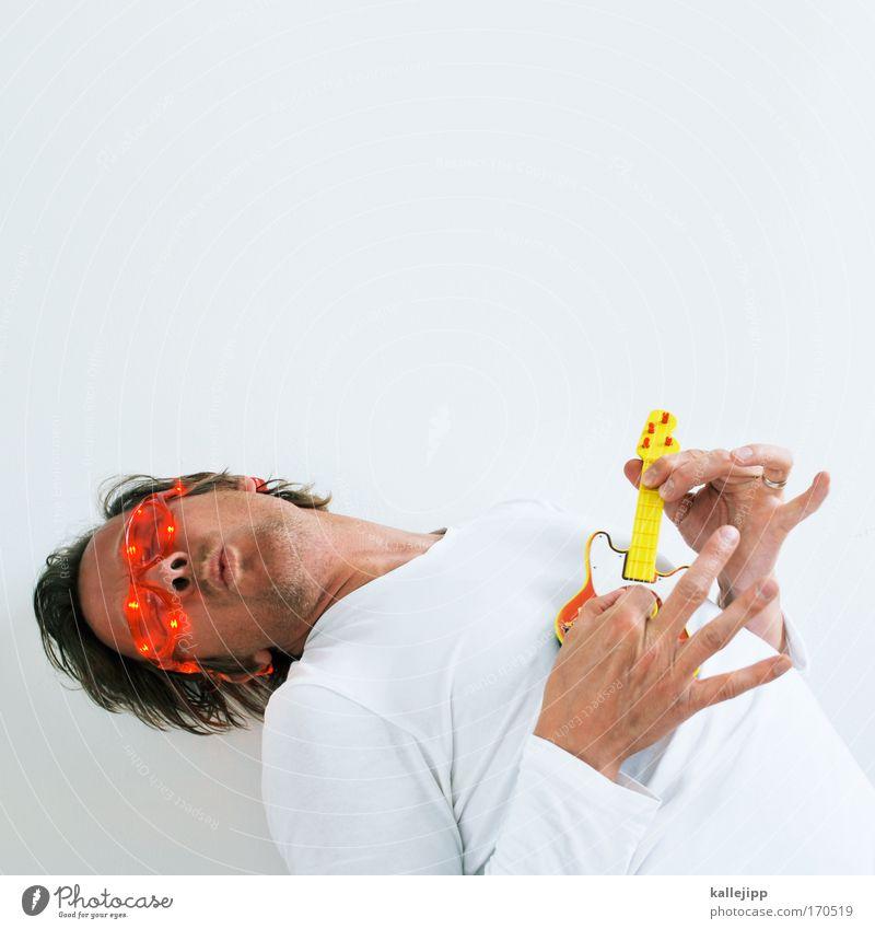 schlag den raab Farbfoto Innenaufnahme Studioaufnahme Textfreiraum oben Freisteller Tag Kunstlicht Oberkörper Blick nach oben Lifestyle schön Freizeit & Hobby