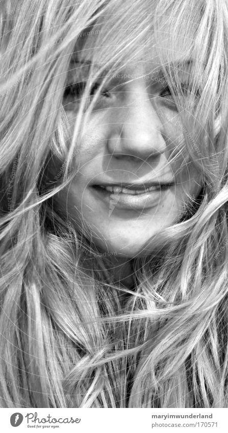 wind affair Freude Glück Haare & Frisuren Gesicht feminin Junge Frau Jugendliche Haut Kopf Auge 1 Mensch blond langhaarig Erholung genießen Lächeln leuchten
