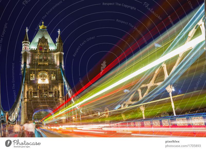 Bus auf der Tower Bridge Ferien & Urlaub & Reisen Tourismus Ausflug Sightseeing Städtereise Nachtleben London Großbritannien England Stadt Hauptstadt