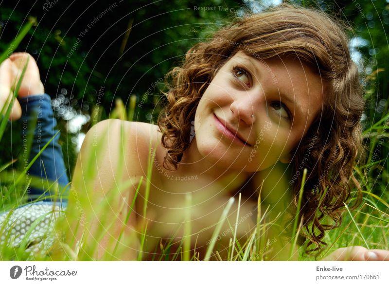 HannnaH Natur Jugendliche schön Sommer ruhig Gesicht Erholung Leben Frau Kopf Gras Haare & Frisuren Garten Glück Mensch Freude