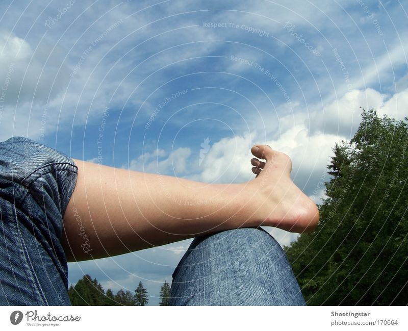 Pause Sommer Erholung Freiheit Beine Zufriedenheit warten Pause liegen Gelassenheit genießen bequem stagnierend