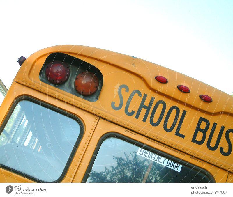school bus > Schule Verkehr Sicherheit Güterverkehr & Logistik Station Bus