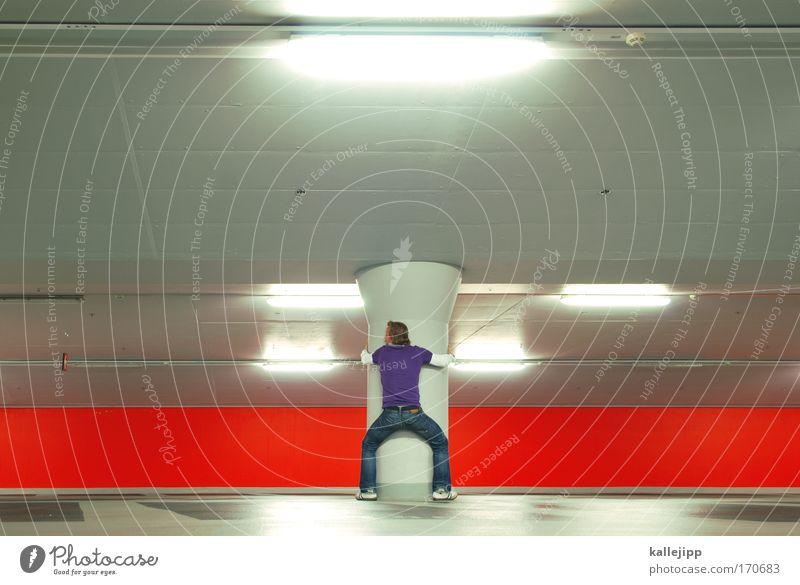 ab-stamm-ung Mensch Mann rot Erwachsene Wand Architektur grau Mauer außergewöhnlich maskulin modern Güterverkehr & Logistik Kreativität violett Verkehrswege