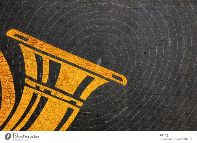 Horn blasen Detailaufnahme Kultur Musik Konzert Orchester Musikinstrument Blasinstrumente Radio Zeichen Jagd entdecken Tradition Güterverkehr & Logistik