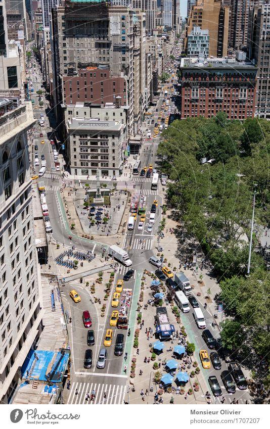 New York City, 2016 Stadt Stadtzentrum bevölkert überbevölkert Haus Hochhaus Bauwerk Gebäude Flatiron Building Verkehr Verkehrsmittel Verkehrswege