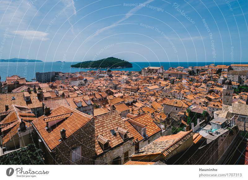 Dubrovnik XVl Himmel Natur Ferien & Urlaub & Reisen Pflanze Sommer Stadt Meer rot Haus Fenster Architektur Wand Gebäude Mauer Fassade orange