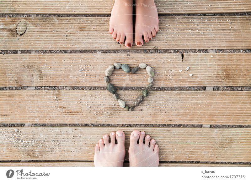 Sommerliebe Lifestyle Ferien & Urlaub & Reisen Sommerurlaub Strand Mensch maskulin feminin Paar Sand Zeichen Herz Liebe Glück Gefühle Frühlingsgefühle Sympathie
