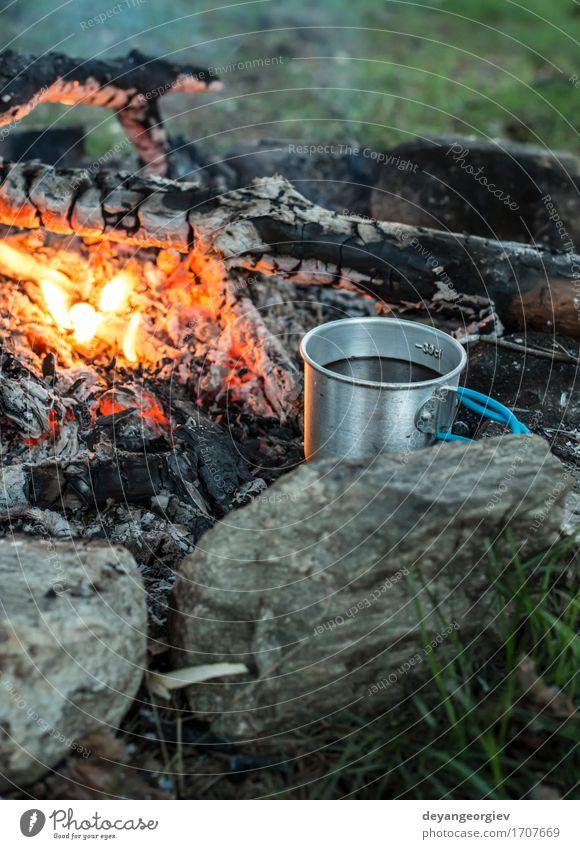 Kaffee am Lagerfeuer machen Natur Ferien & Urlaub & Reisen alt Sommer Wald schwarz natürlich Metall Abenteuer heiß Stahl Tee Camping Topf