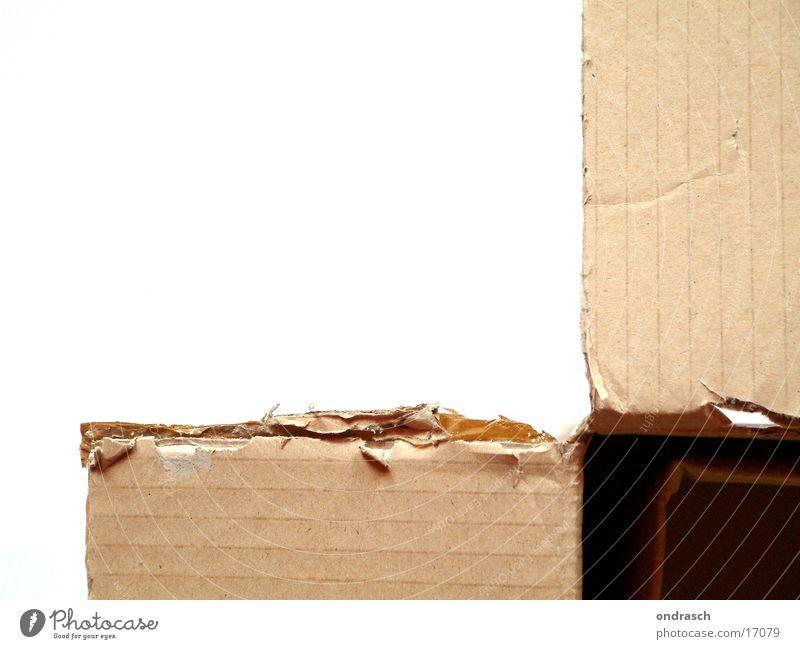 Das ist ein Karton Verpackung Papier Dinge offen Riss