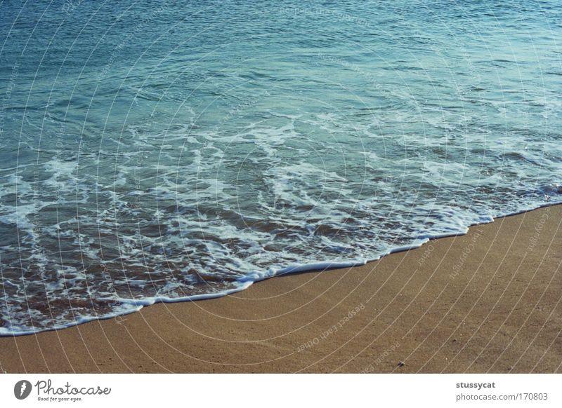 Wasser Meer blau Sommer Strand Wärme Sand Erde Wellen Horizont Ausflug Lifestyle weich Frieden Warmherzigkeit Gelassenheit