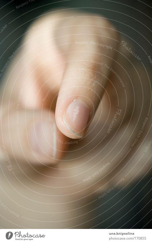 .finger schön Haut Maniküre Hand Finger 1 Mensch berühren Wärme weich Fingernagel greifen Fingerkuppe Fingerspiel Tag Farbfoto Nahaufnahme Detailaufnahme