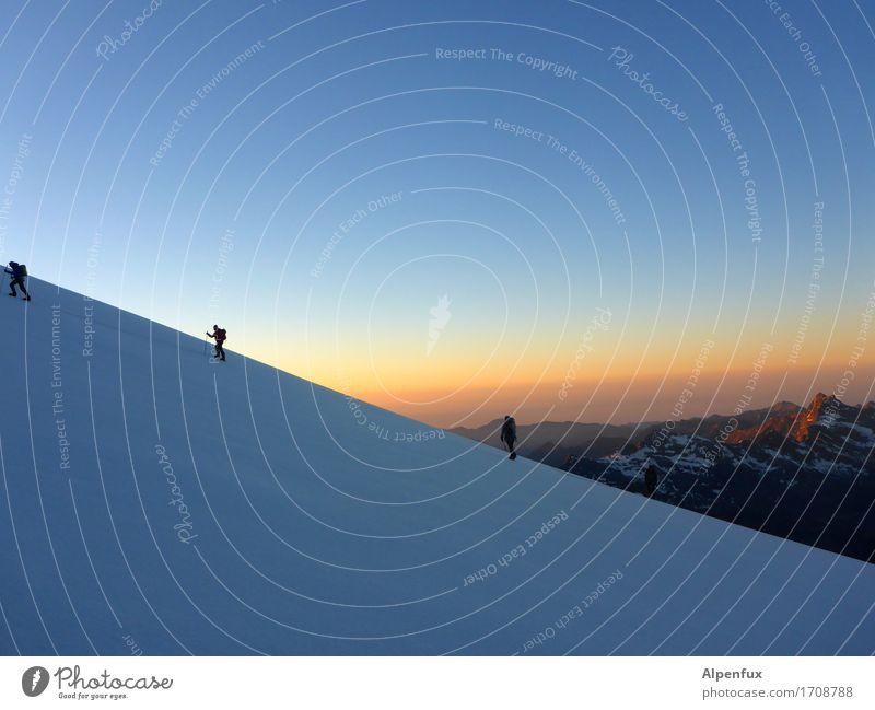 Sunrise Klettern Bergsteigen Bergsteiger Seilschaft Umwelt Natur Landschaft Himmel Wolkenloser Himmel Sonnenaufgang Sonnenuntergang Schönes Wetter Schnee Felsen