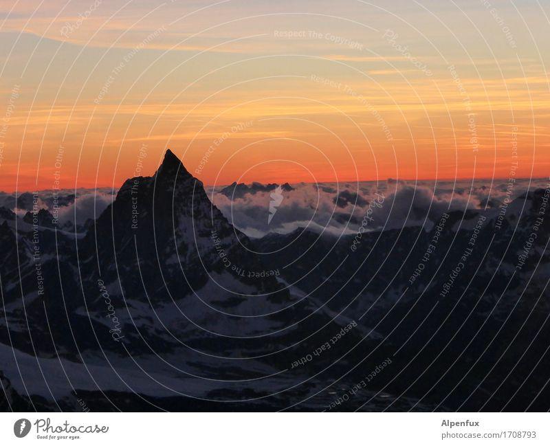 Sunset at Matterhorn Klettern Bergsteigen Bergsteiger Umwelt Natur Landschaft Wolken Nachthimmel Sonnenaufgang Sonnenuntergang Schönes Wetter Hügel Felsen Alpen