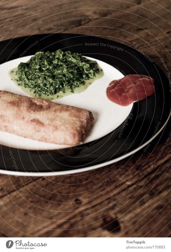 3-Komponenten-Essen Lebensmittel Ernährung Fisch genießen Gemüse lecker Teller Mittagessen Fastfood ungesund Holztisch Holzplatte Feinschmecker Ketchup