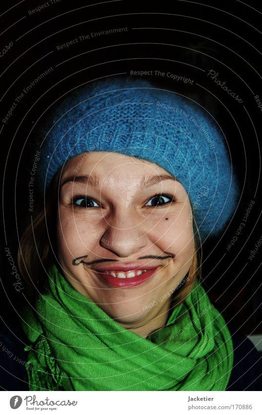 Ha! Is' ja lustig. Farbfoto Innenaufnahme Starke Tiefenschärfe Porträt feminin androgyn Junge Frau Jugendliche Leben Haut Kopf Haare & Frisuren Gesicht Auge Ohr