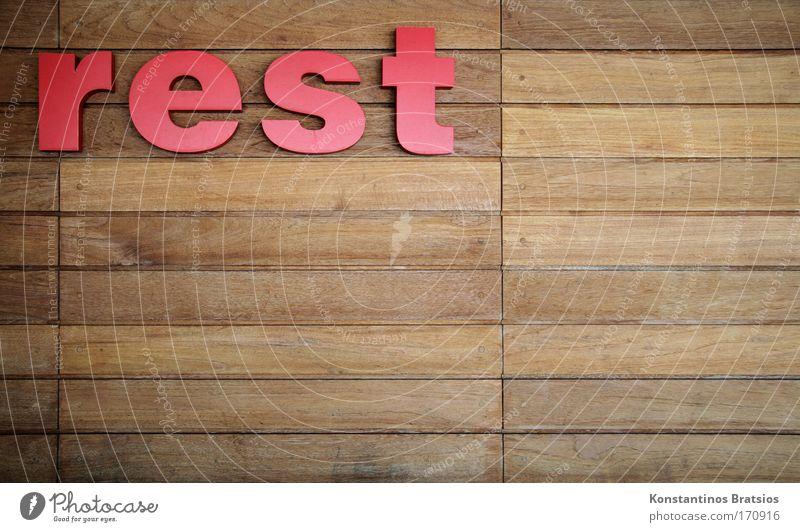 rest rot Wand Holz braun Schriftzeichen einfach Kunststoff fest trocken Werbung Rest Holzwand sparsam matt