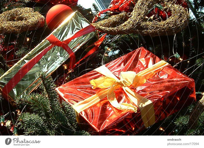 ... bald nun ... Weihnachten & Advent Kunst Feste & Feiern Freizeit & Hobby glänzend Fröhlichkeit Geschenk Kitsch Kugel Tanne Almosen Weihnachtskrippe