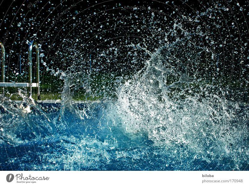 Mutter aller A_Bomben Wasser Sommer Freude Glück Wassertropfen Lifestyle frisch tauchen Schwimmen & Baden Erfrischung Sommerurlaub abstrakt spritzig
