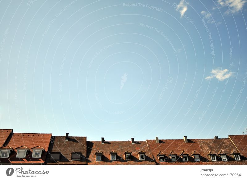 Nachbarschaft alt Haus Leben Fenster Gebäude Architektur Lifestyle Dach authentisch Häusliches Leben Dorf Idylle Skyline Verfall historisch Schornstein
