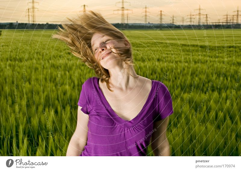 Kri II Jugendliche schön Sommer Freude Erwachsene Erholung feminin Kopf Haare & Frisuren lachen Glück träumen blond fliegen natürlich frei
