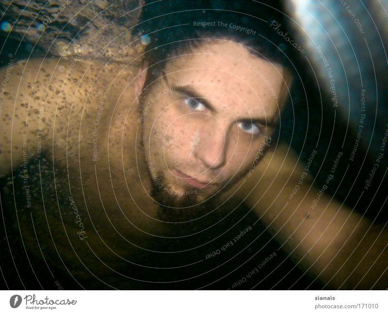 schatztaucher Mann Jugendliche Wasser Erwachsene dunkel kalt Schwimmen & Baden nass maskulin bedrohlich 18-30 Jahre nah tauchen Bart Junger Mann brünett
