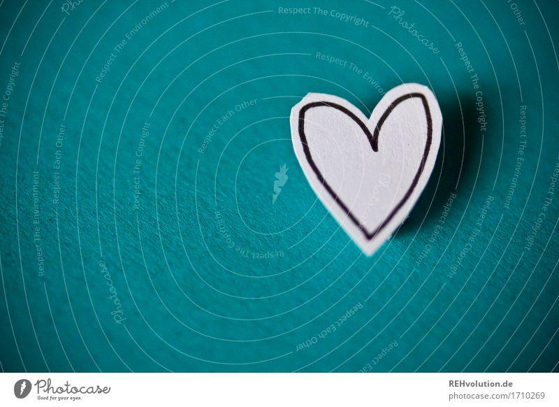 herzliche Grüße 2 Papier Herz Liebe türkis Gefühle Glück Zusammensein Verliebtheit Romantik Leidenschaft gemalt ausgeschnitten gebastelt Zeichnung Farbfoto