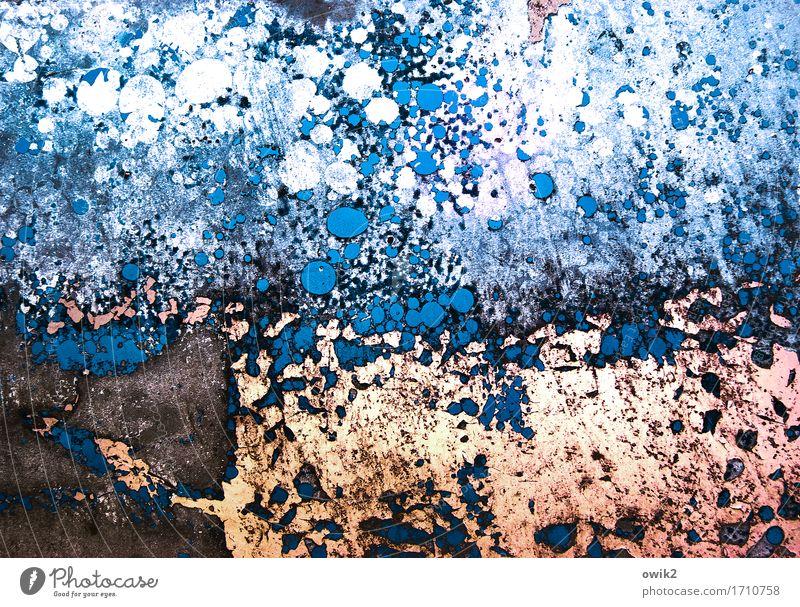 Aus der Tiefe blau Farbe weiß schwarz Kunst braun orange Metall verrückt Vergänglichkeit Gemälde trashig Irritation bizarr Zerstörung Kunstwerk