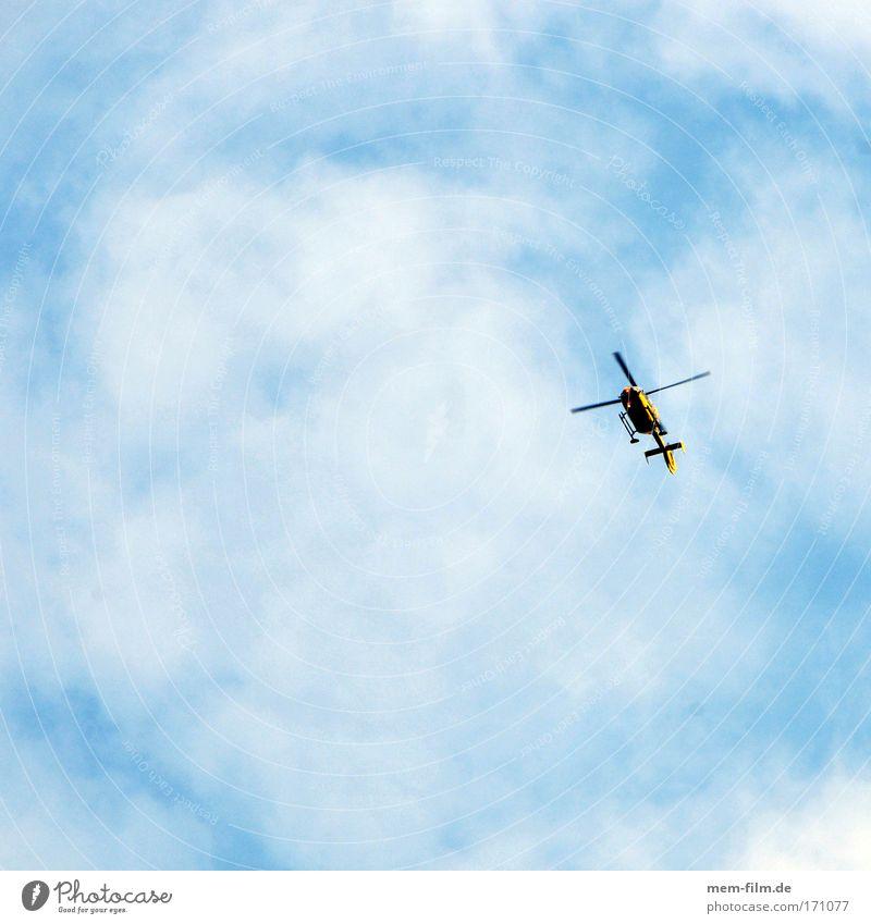 fliege Luftverkehr beobachten Rettung Demonstration Hilfsbereitschaft Überwachung kreisen Verkehrsstau Hubschrauber Pannenhilfe
