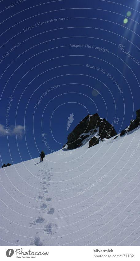 anleitung für einen sonnenbrand Mensch Himmel schön Freude kalt Schnee Berge u. Gebirge Sport Freiheit hell gehen Felsen wandern Abenteuer Klettern Spuren