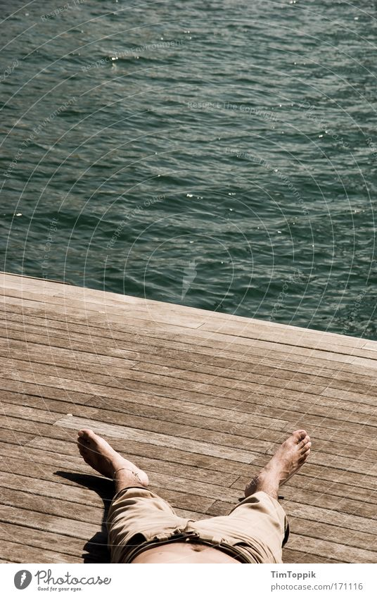 Kopf aus, Beine lang Ferien & Urlaub & Reisen Sommer Sonne Meer Strand Erholung Ferne Freiheit Küste Fuß Tourismus Ausflug schlafen Wellness Sommerurlaub