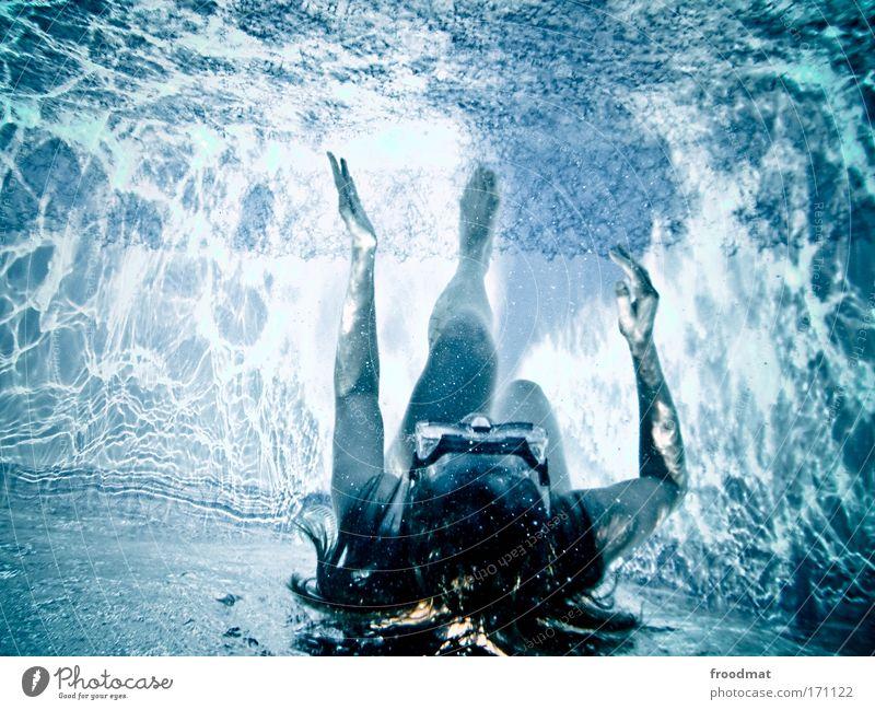 traumtänzerin Frau Mensch Erwachsene feminin Gefühle träumen Tanzen Schwimmen & Baden laufen außergewöhnlich Wandel & Veränderung Hoffnung Neugier Surrealismus langhaarig