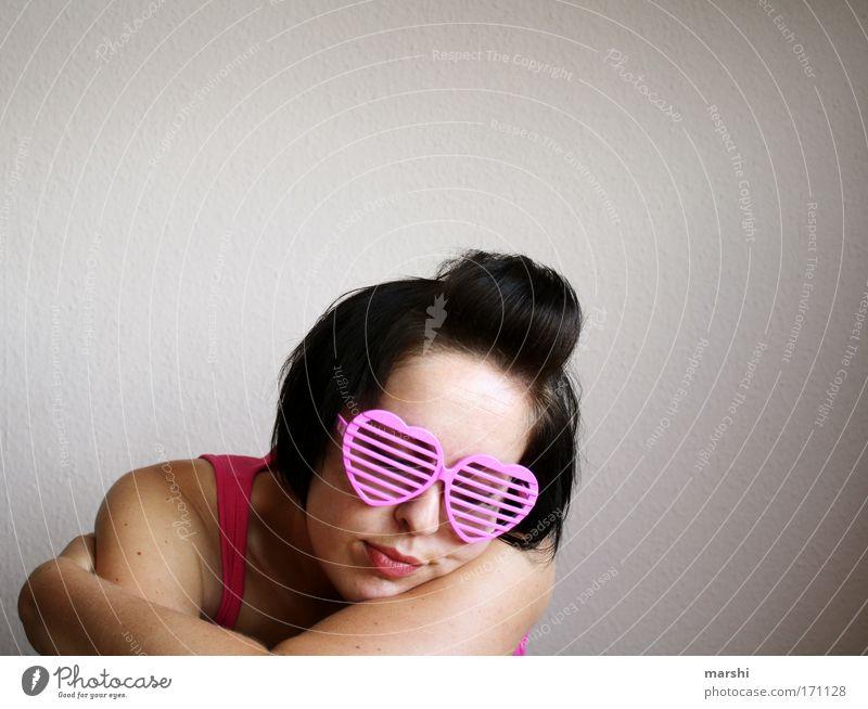 sweet dreams Mensch Frau Jugendliche Erwachsene Liebe Erholung feminin Gefühle Kopf Haare & Frisuren Glück Stil träumen Zusammensein Zufriedenheit rosa
