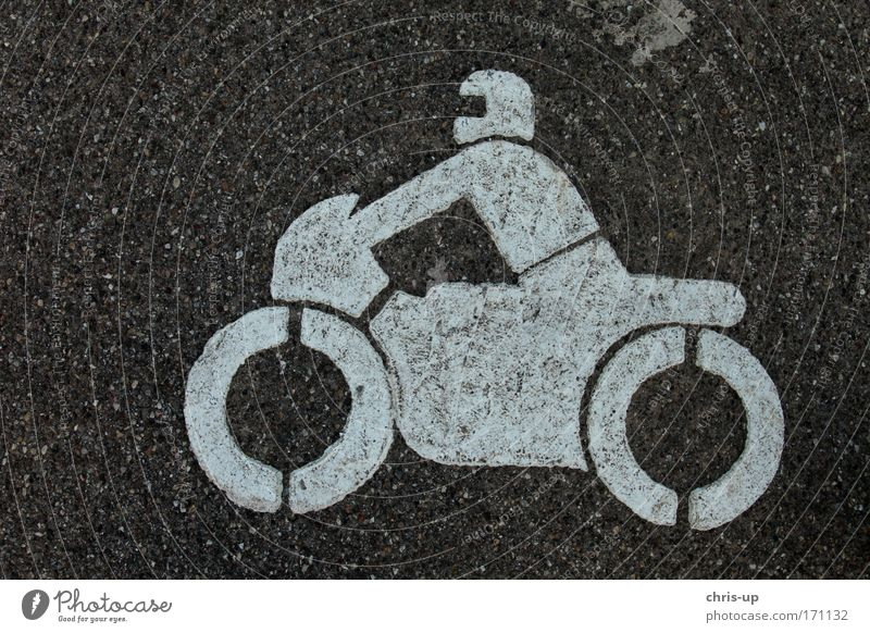 Motorrad auf Asphalt Mensch Freude Straße Sport Kraft Verkehr Geschwindigkeit gefährlich fahren Ziel genießen Rad Fahrzeug Kontrolle Motorrad Reifen