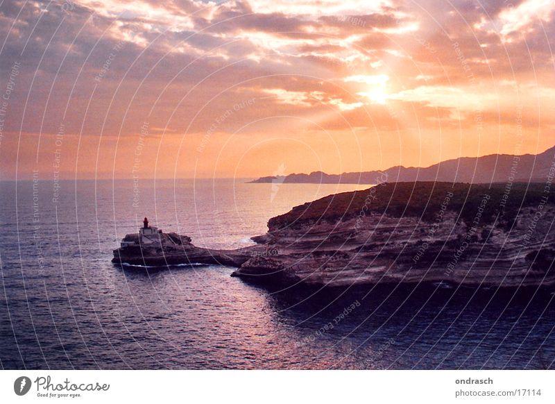 bonifacio showdown Sonnenuntergang Wolken Leuchtturm Meer Nacht Süden Ferien & Urlaub & Reisen Romantik Abenddämmerung Himmel Bucht Küste Wasser Corsica France