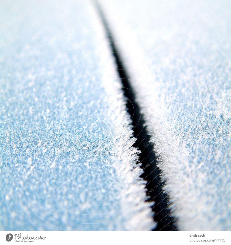 ice_cut Winter kalt Schnee Eis leer Frost gefroren gebrochen Kristallstrukturen Schlag Schnellzug