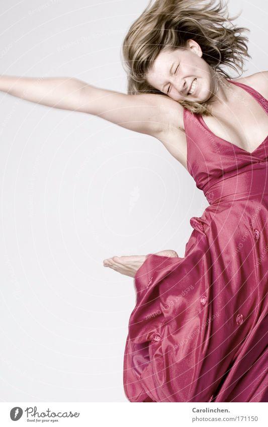 Spaß an der Sache Mensch Freude feminin Haare & Frisuren Glück springen Tanzen blond rosa hoch Kleid Bekleidung Unendlichkeit langhaarig