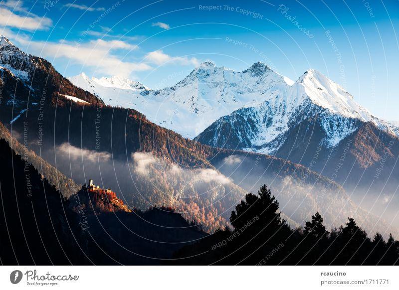 Schloss und Landschaft in Aosta-Tal, Nord-Italien schön Ferien & Urlaub & Reisen Tourismus Winter Schnee Berge u. Gebirge Kunst Natur Himmel Herbst Baum Wald