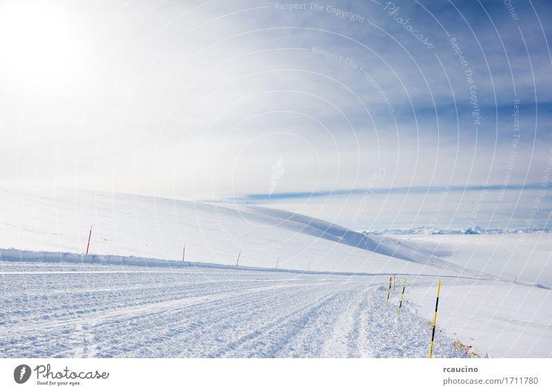 Leere Skisteigung im hohen Berg auf den Alpen. Zermatt Natur Ferien & Urlaub & Reisen weiß Landschaft Winter Berge u. Gebirge Sport Schnee Tourismus Europa