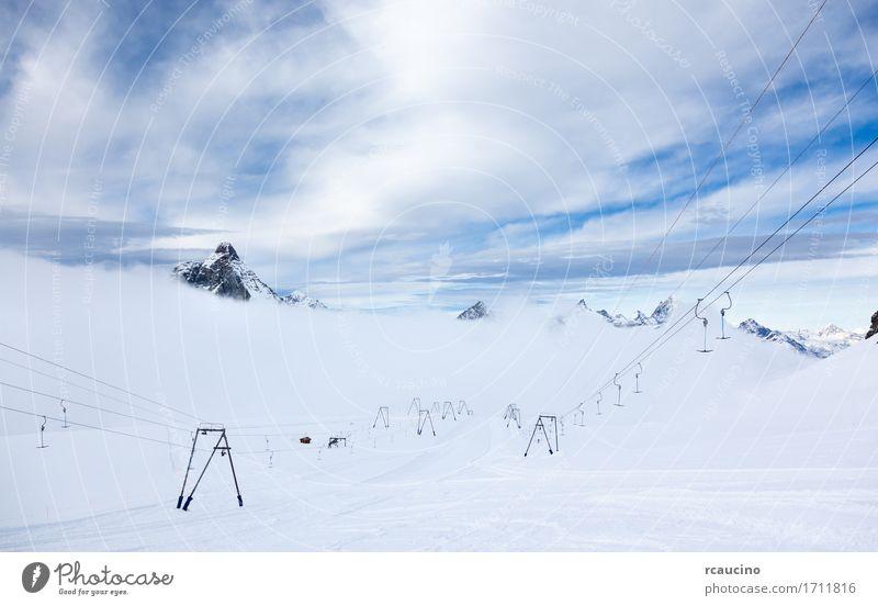 Höhenlagen und Skilifte Zermatt Switzerland Ferien & Urlaub & Reisen Tourismus Winter Schnee Berge u. Gebirge Sport Skifahren Natur Landschaft Alpen weiß