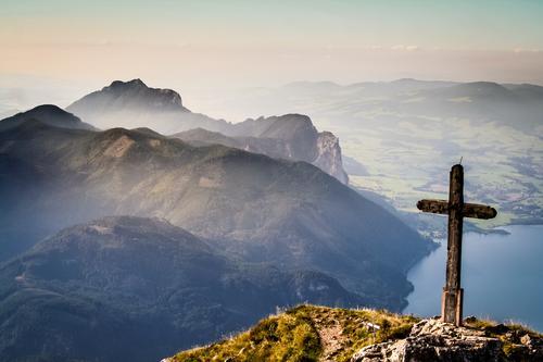 Gipfelkreuz im Sonnenuntergang Natur Ferien & Urlaub & Reisen Pflanze Landschaft Tier Ferne Berge u. Gebirge Umwelt Herbst Freiheit See Stimmung Felsen