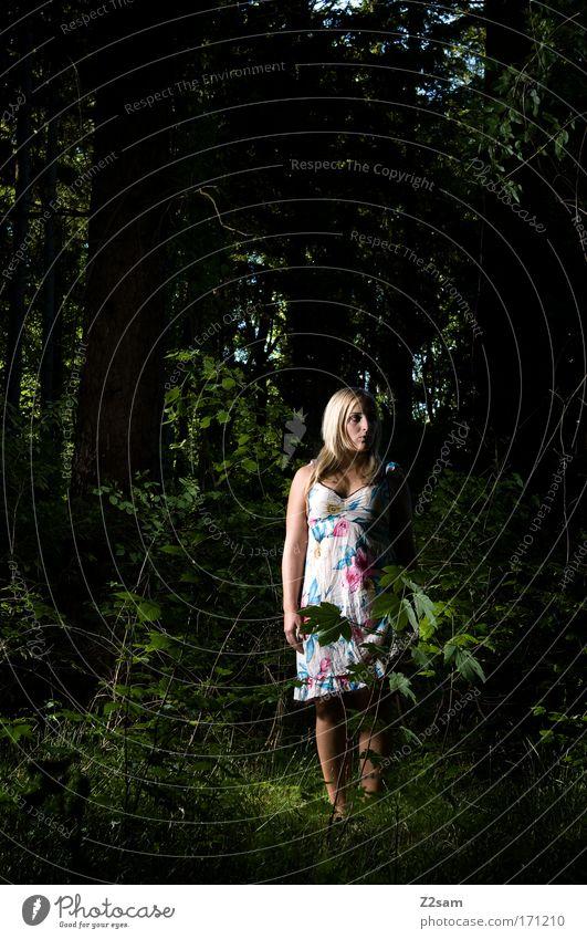 alone in the dark Außenaufnahme Kunstlicht Wegsehen feminin Junge Frau Jugendliche 18-30 Jahre Erwachsene Natur Wald Mode Kleid blond stehen bedrohlich dunkel