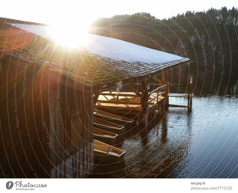 Restlicht Freizeit & Hobby Ferien & Urlaub & Reisen Tourismus Ausflug Sonne Sonnenaufgang Sonnenuntergang See Hütte Bootshaus Ruderboot leuchten Freundlichkeit