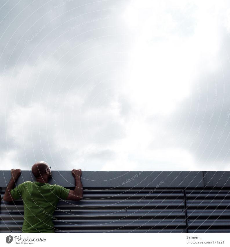 Horizonterweiterung Himmel Mann Erwachsene Leben Freiheit träumen Kraft maskulin Erfolg Hoffnung Ziel 18-30 Jahre Sehnsucht stark Schmerz