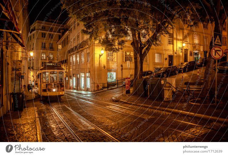 Tram Lisboa Ferien & Urlaub & Reisen Stadt Haus Freude dunkel schwarz Essen Beleuchtung Tourismus orange leuchten Ausflug kaufen historisch entdecken