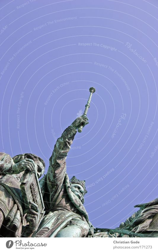 GO LUDWIG GO LUDWIG Himmel blau Pferd München Statue Bayern Skulptur Sehenswürdigkeit Blauer Himmel König Recklinghausen Bildhauerei Krone Reiter herrschaftlich Tier